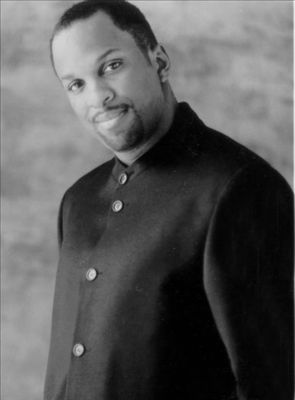 Donnie McClurkin photo
