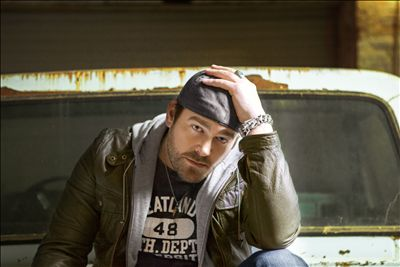 Lee Brice photo