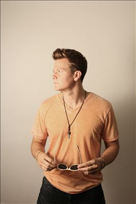 Tyler Ward photo