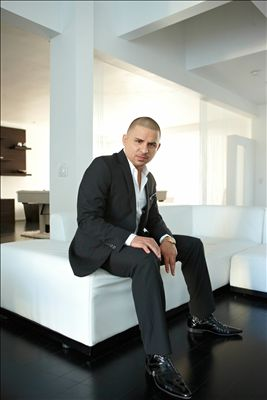 Larry Hernandez photo