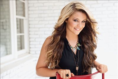 Lauren Alaina photo
