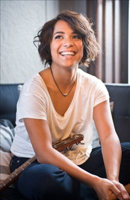 Vicci Martinez photo