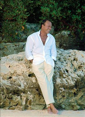 Julio Iglesias photo