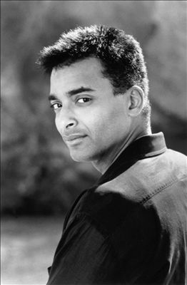 Jon Secada photo