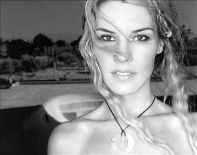 Jennifer Paige photo